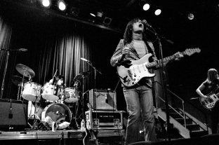 sofie_lemontwigs_livemusicNYC_W-8